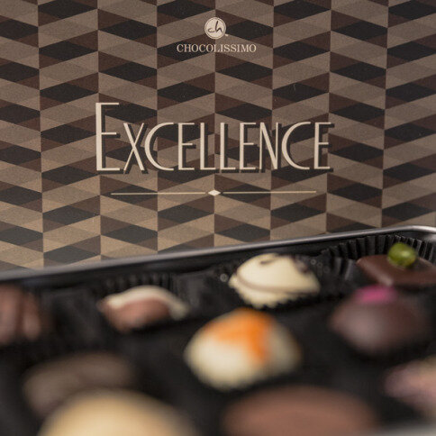 excellence maxi, hand made pralines, pralines in a metal box