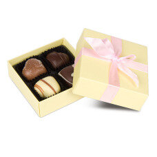 chocolate for wedding guests, wedding chocolate, wedding pralines