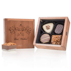 belgian pralines, belgian chocolate, elegance pralines, chocolate pralines, gift for newlyewedes, present for wedding, chocolate for birthday, chocolate for name day, chocolate for best wishes, chocolate for beloved one, wooden box, luxury pralines