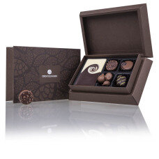 belgian pralines, belgian chocolate, elegance pralines, chocolate pralines, chocolate for men, chocolate for boy, chocolate for husband, present for birthday, gift for name day, chocolate for congratulations, gift for women, gift for daughter, present for son, tasteful box, luxury pralines